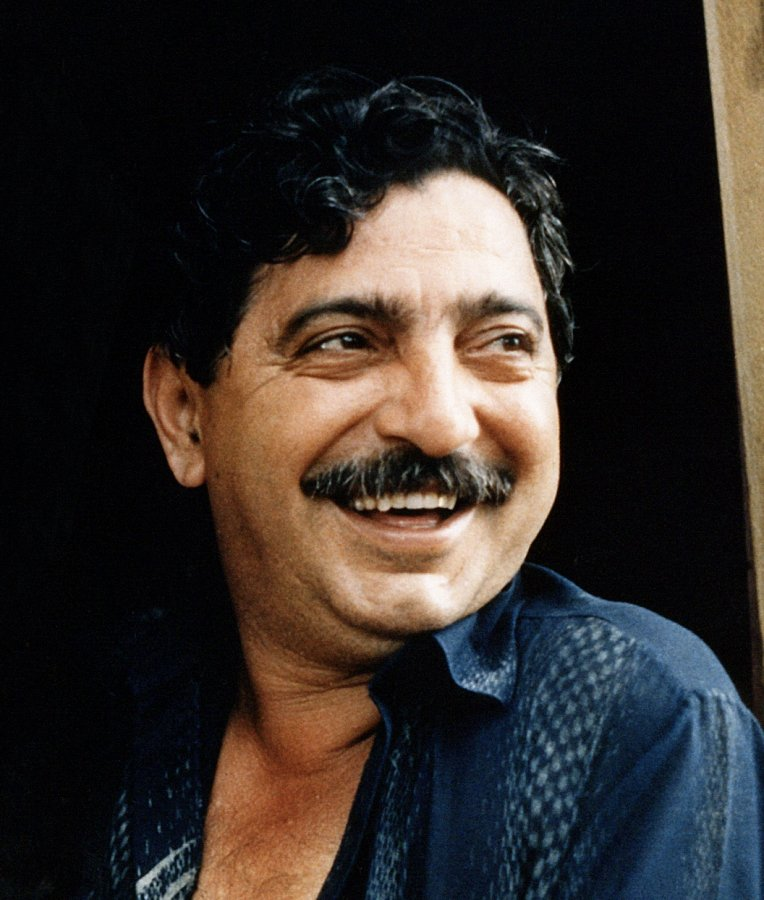 Chico Mendes at his home in Xapuri Acre, Brazil 1988. Photo: Miranda Smith, Miranda Productions Inc, wikimedia Commons